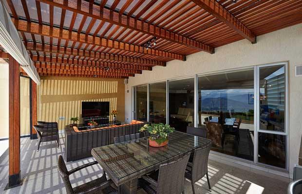 terrassenüberdachung holz pergola